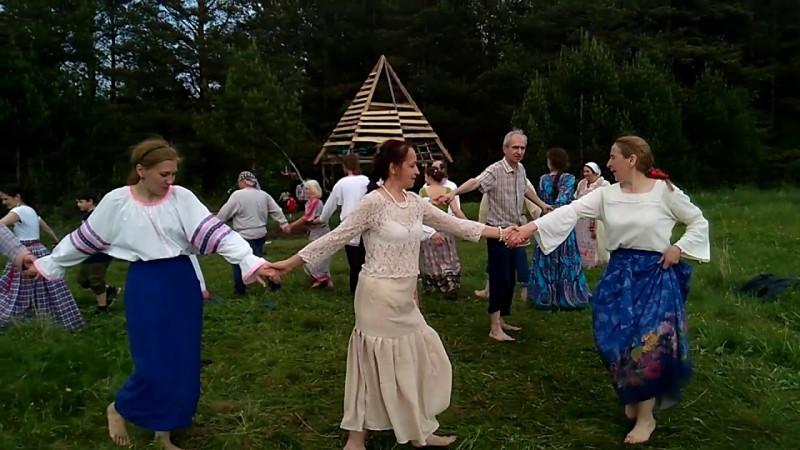 Хоровод Капуста на празднике Купала в Родовом поселении Жива