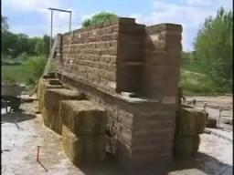 Сознательное строительство. Дом-гибрид (Строительство из соломы, глины, адоба)