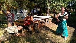 Наталья Котова с песней Полюшко на семинаре Родовая нить в Родовом поселении Радосвет