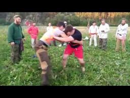 Молодецкие забавы - борьба на поясах на празднике Перуна в общине Сварожич